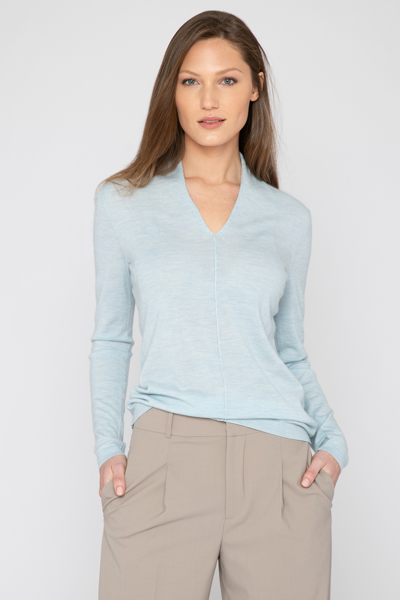 Fitted Seamed Vee - Kinross Cashmere