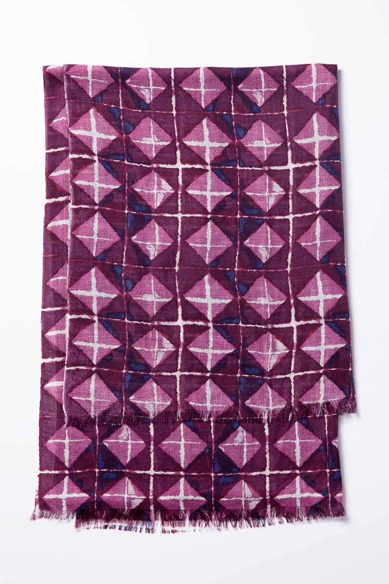 Kinross Cashmere   Resort 2015 Accessories   Beach Tile Printed Scarf